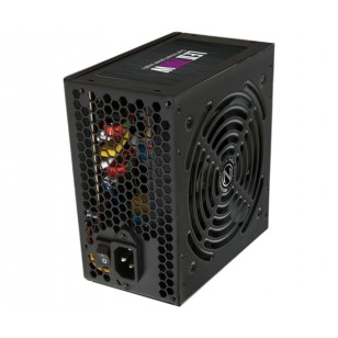 ZALMAN Z3 Plus + 700W Siyah Atx Mid Tower Kasa 2xUSB 2.0, 3xUSB 3.0, 4x120mm Fan